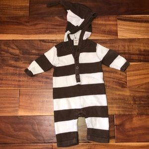 Old navy Brown / white striped pointed hood outfit